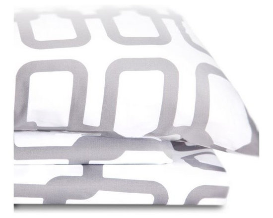 Oilo - Link Sheet Set, Queen - Description: Includes flat and fitted sheets, plus two standard pillowcases