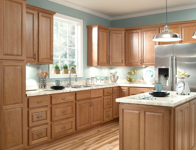 Ziemlich honey oak kitchen cabinets kitchen cabinetry for Cabinets to go