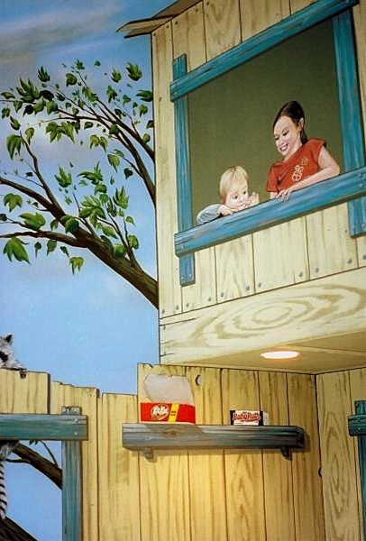 Tree House Bedroom Mural by Tom Taylor of Wow Effects, painted in Minnesota traditional-kids
