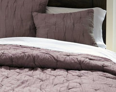 Stella Quilt, Sugar Plum contemporary-quilts-and-quilt-sets