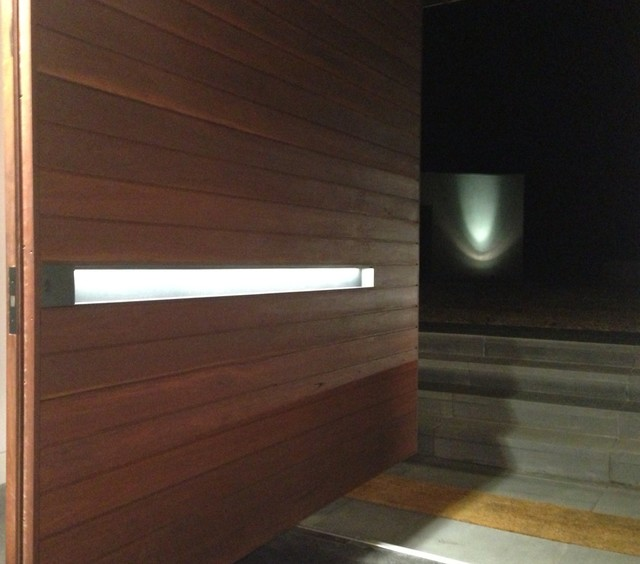 Ballarat House with custom, backlit Box Pull entry door handle contemporary-handles