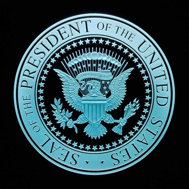 US Presidential Seal Carved in Glass by Sans Soucie traditional-artwork