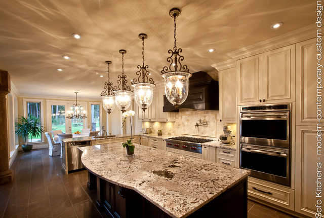 Traditional antique white kitchen traditional kitchen for Traditional antique white kitchen cabinets