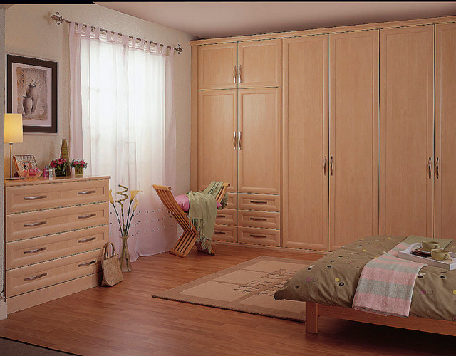 Bespoke Bedroom In Built Wardrobe and Chest of Drawers