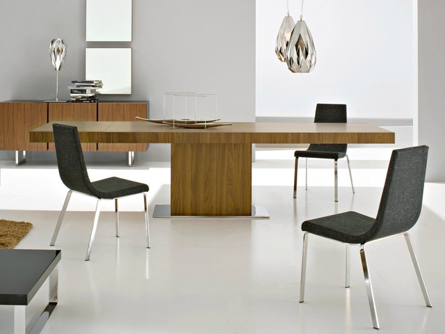 Dining room with Calligaris collection contemporary-dining-room