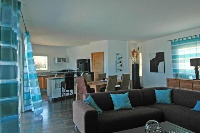 Living room mediterranean