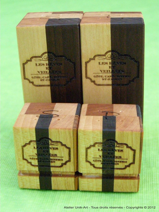 Set of reclaimed wood salt and pepper - Salt & pepper made in reclaimed wood with laser engraving for the restaurant, bistro ''Aux rêves et veillées''. We have a laser engraving machine in our plant and can personalise all our products.