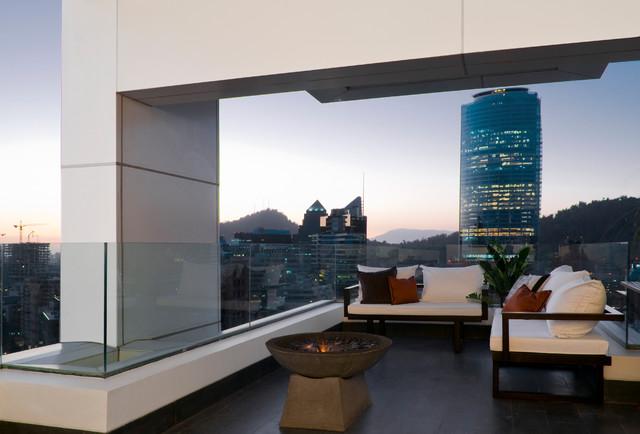 Hotel W Residence contemporary-patio