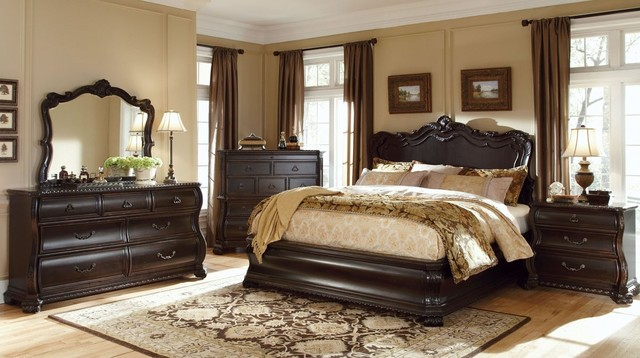LeGrand Panel Bedroom Set