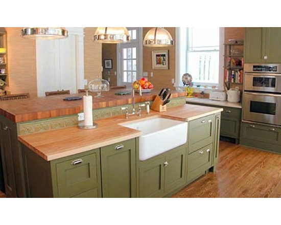 Maple Butcherblock Kitchen Countertop with Sink.jpg - http://www.glumber.com/