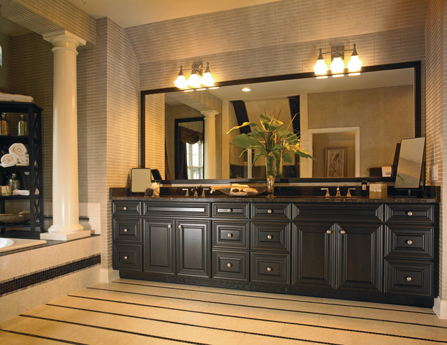 Hills at Southpoint - Ellsworth Master Bathroom traditional-bathroom