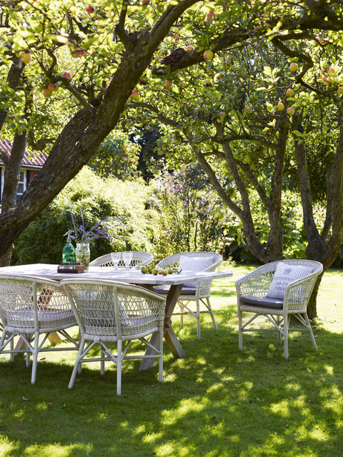Georgia garden emma chair and colonial table for Traditional garden furniture