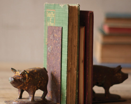 Rustic Iron Pig Bookends (Set of Two) - This set of well-loved cast iron porkers stand ready to hold your tomes on a table or night stand.