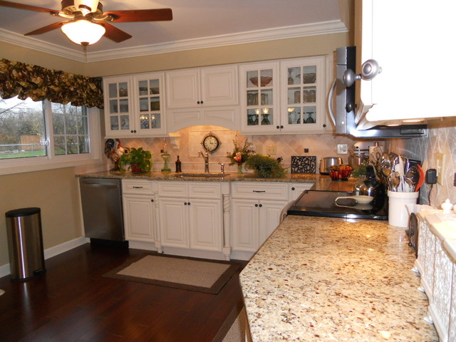 Oasis kitchen , Columbus home traditional-kitchen-cabinets