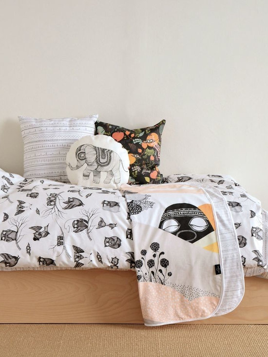 Mini Empire - Mini Empire Baby Blankets - Baby blankets made of super soft cotton jersey. The blanket has a large illustration on the front by talented brand Mini Empire, and a soft grey & white pattern on the back. The perfect gift for a new born