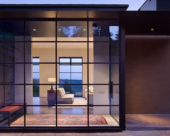 Steel windows and doors - Thermally broken narrow sight line Steel Arte foyer.