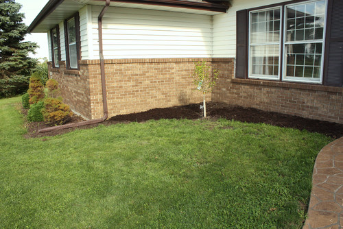 Front Yard Landscaping Ideas Iowa : Help landscaping front of ranch style home iowa zone