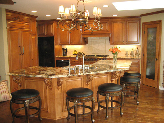 Face Frame Style Custom Kitchen Cabinets - Traditional - los angeles - by Frontier Cabinets, Inc.