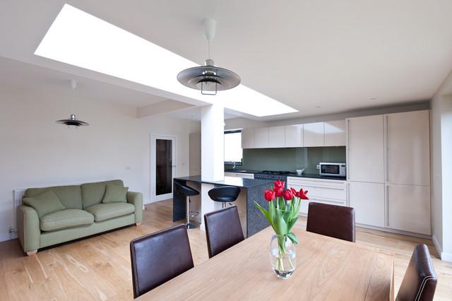 34SG contemporary-family-room