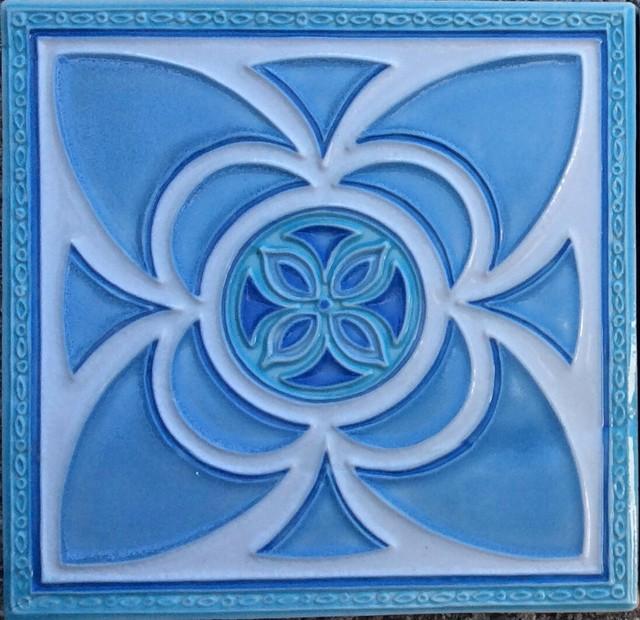 Flaura Art Deco Tile traditional-tile