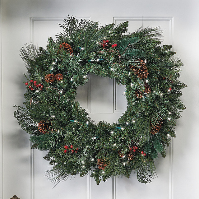 pre lit christmas wreath traditional holiday outdoor decorations. Black Bedroom Furniture Sets. Home Design Ideas