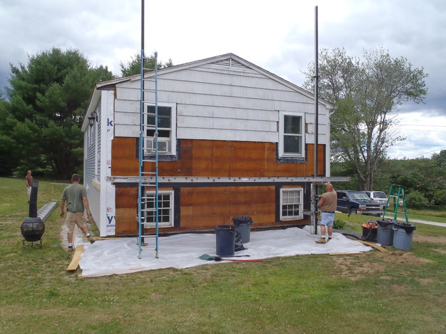 NH RENOVATION:  DISTRESSED PROPERTY traditional