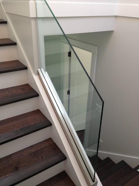Base Shoe Railing Glass