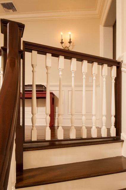 JWH Construction Management Millwork traditional