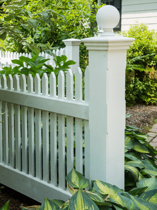 Nantucket Cedar Picket Fence -