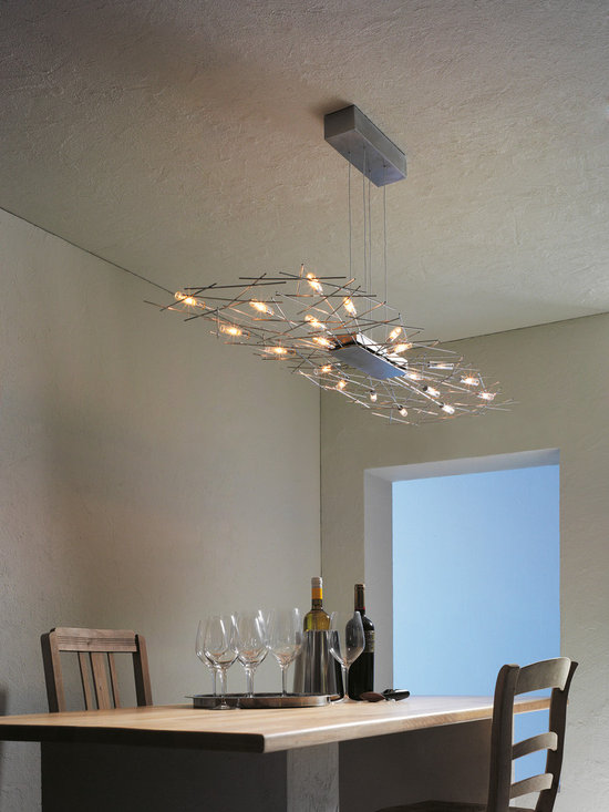 Capito Suspension - High glamour linear suspension with sparkle