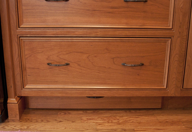 Brown/Nilon Toe Kick Drawer (Closed)