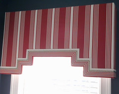 Valances & Cornices traditional-curtains