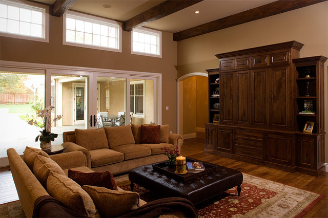 Traditional traditional-living-room