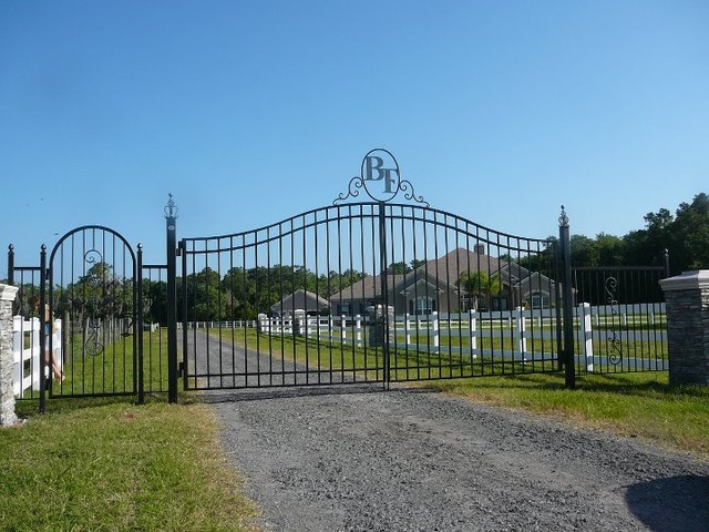 Estate Gate  entry
