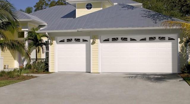 Traditional Steel Garage Doors traditional-garage-doors-and-openers