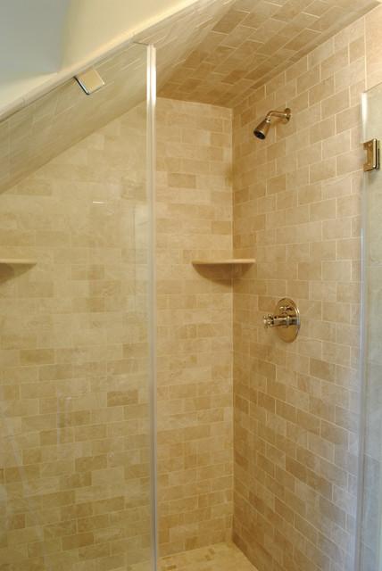 Crema marfil guest bathroom for Crema marfil bathroom ideas