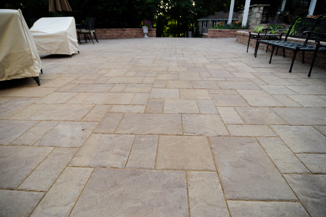 East Bradford Patio traditional-patio