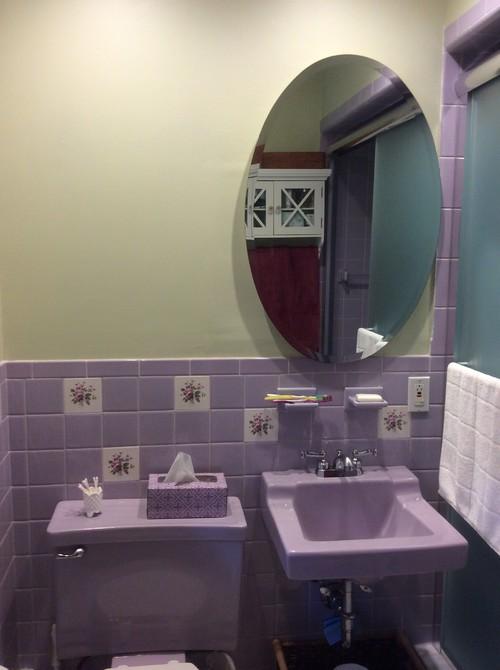 Need Help Painting The Walls Of My Retro Bathroom