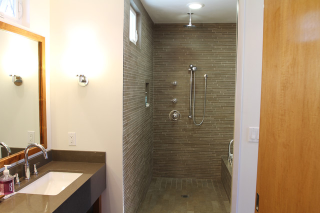 Newton Residence contemporary bathroom