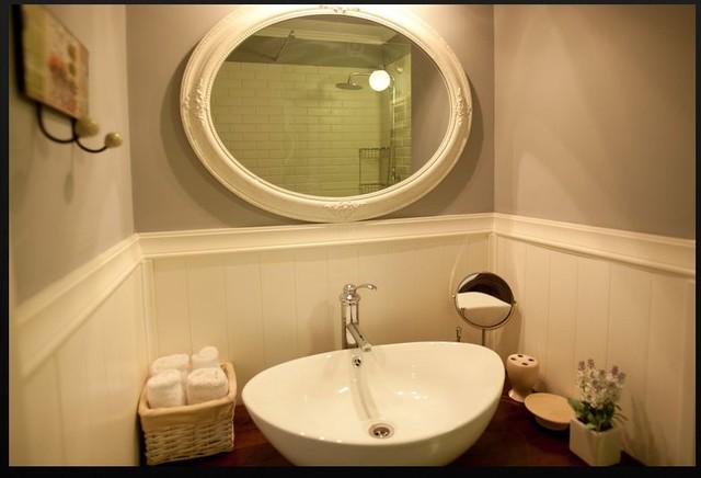 Herzelia pitoach Israel traditional-bathroom