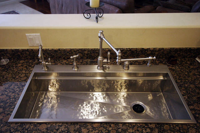 Hammered stainless steel signature series sink by rachiele for Rachiele sink complaints