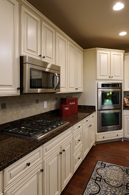 Baltic Brown Granite White Cabinets Backsplash Ideas