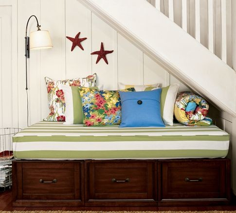 Stratton Daybed with Drawers traditional-daybeds