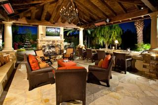 Outdoor Home Decorating Furniture Arrangement Helps Create Conversations