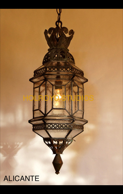Historic spanish lights for Mediterranean lighting fixtures