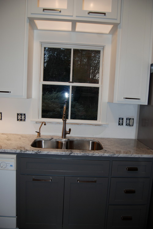Need Help On Choosing A Grout Color For My Glass Tile Backsplash