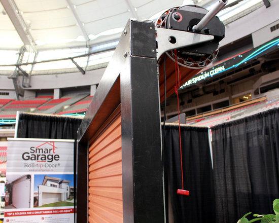 Residential roll up garage doors -