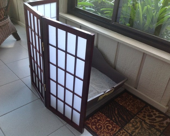 Room Dividers, Folding Screens, Partitions, Decorative Screens, Room Separators - Here are a customer uses a 3 panel 2ft tall shoji screen to hide the kitty litter box in her addition of the house.  This screen is available up to 8 panels wide and different finishes.