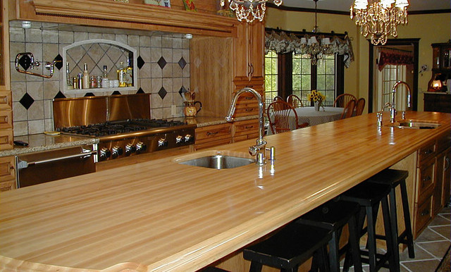 Maple Wood Kitchen Island Countertop with Bar and Sink