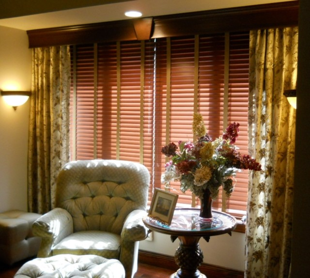 Traditional Window Treatments Living Room: Drapery & Blinds Beneath Wood Cornice